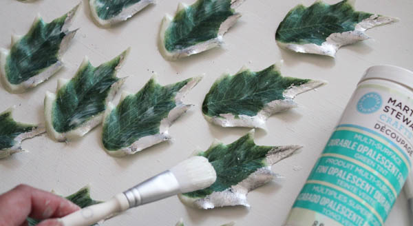 Decoupage over the leaves