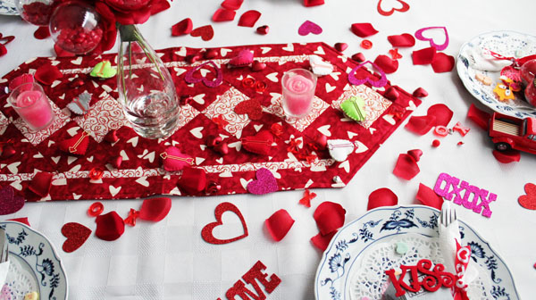 Simple Valentine's Tablescape