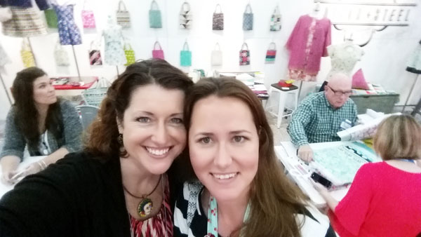 roomie selfie at quiltmarket