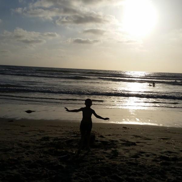 http://alwaysexpectmoore.com/wp-content/uploads/2015/06/beach-600x600.jpg